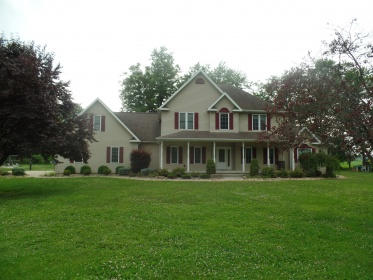 WONDERFUL, LARGE HOME IN WORTHINGTON ON 2.34 ACRES