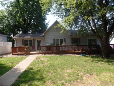UPDATED 4 BEDROOM CLOSE TO SCHOOLS & PARK IN BLOOMFIELD