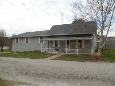LARGE FAMILY HOME IN EASTERN GREENE CO.